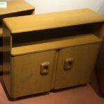 326 Cabinet bookcase in original very good Wheat