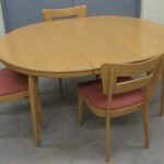 M950 round table with leaf